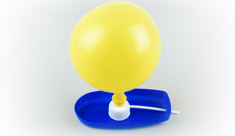 Recycler pour Jouer avec un Bateau à Ballon