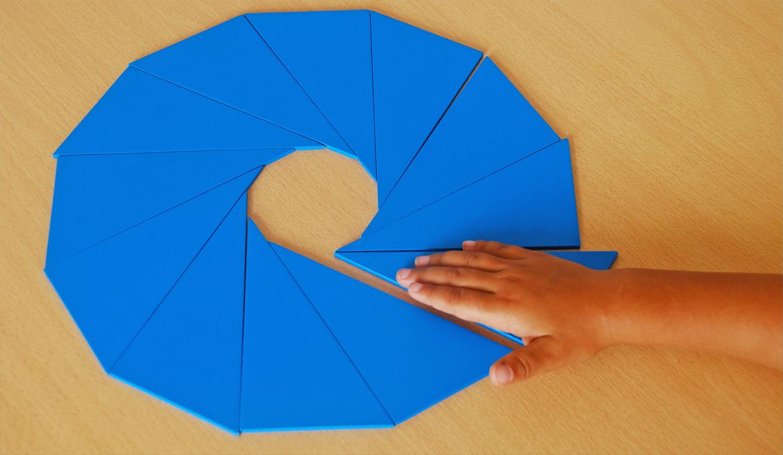 Fabriquer les Triangles Constructeurs Bleus de Montessori : Modèles en Bois