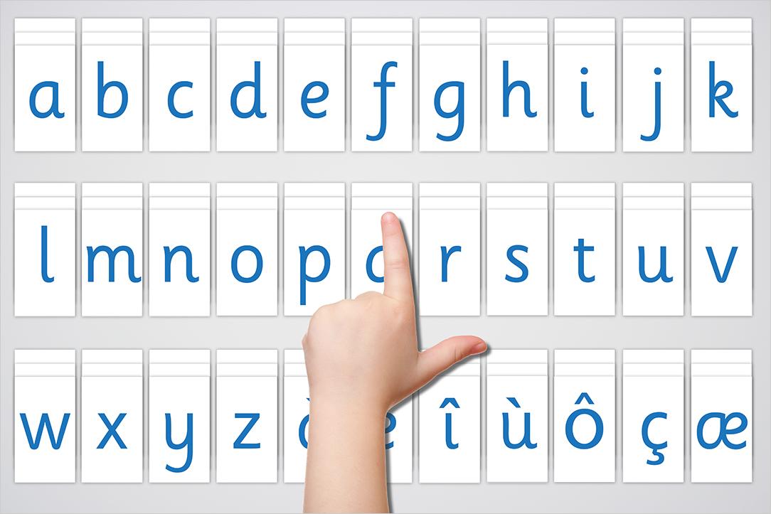 Présentation des Lettres Mobiles de Montessori